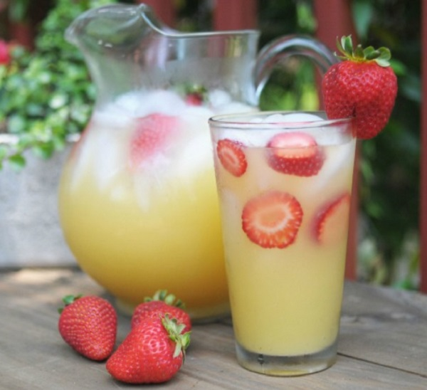 Non-alcoholic Tangy Summer Punch