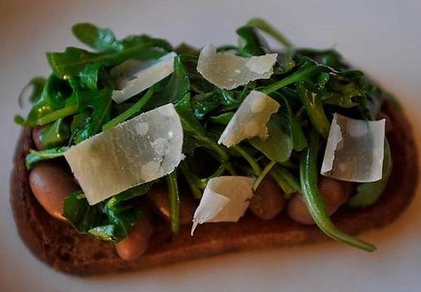Borlotti Beans on Toast with Greens