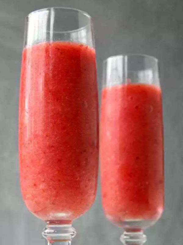 Strawberry Prosecco Slushie