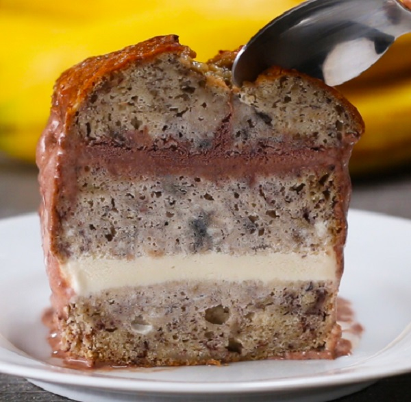 Banana Bread Ice Cream Cake