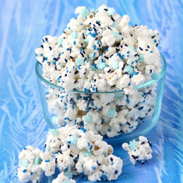 Disney's FROZEN White Chocolate Popcorn