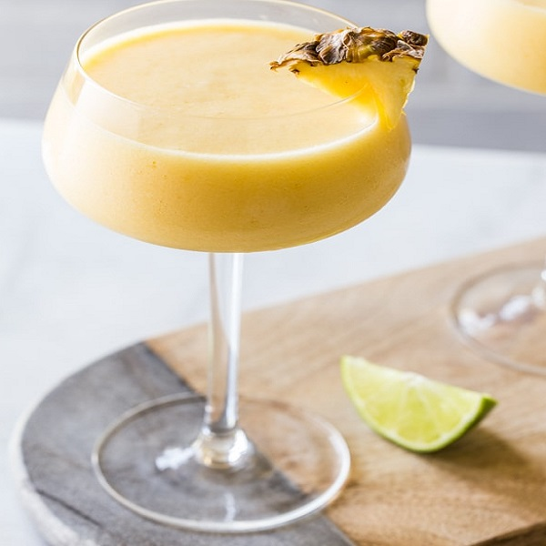 Frozen Pineapple Mango Daiquiri Cocktail