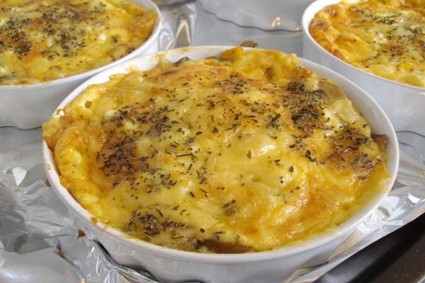 Crustless Cheese, Corn and Mushroom Savoury Tart