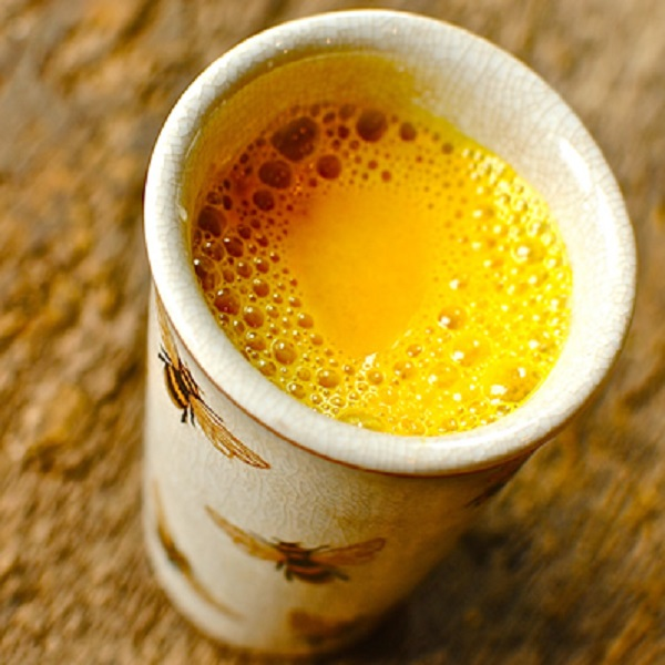 Turmeric And Black Pepper Tea