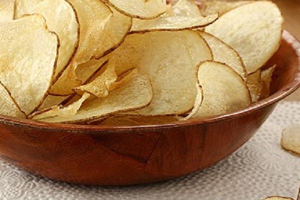 Homemade Salt and Vinegar Crisps (Chips)