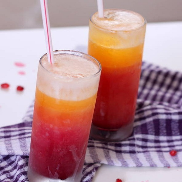 Pomegranate Orange Juice Mocktail