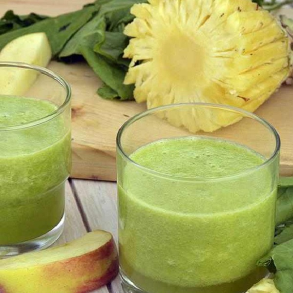 Spinach Apple and Pineapple Juice