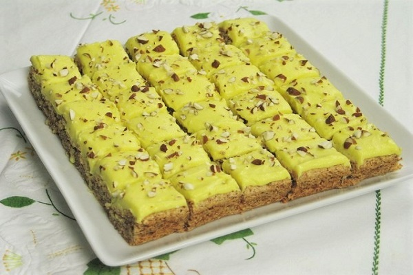 Traditional Konfektkake Cake