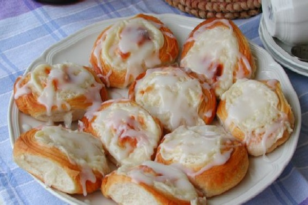 Traditional Cream Cheese Danish