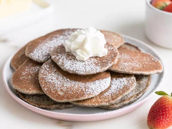 Traditional Dutch Poffertjes (Puffy Pancakes)