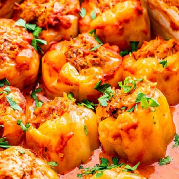 Traditional Moldovan Ardei Umpluți (Stuffed Bell Peppers)