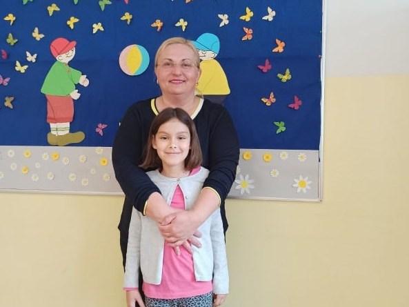 učiteljica Gordana Magdalenić i Gita Radiković