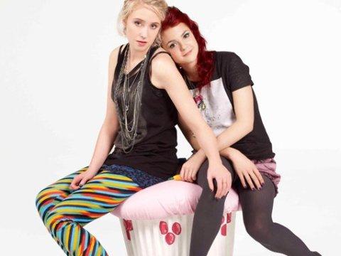 Emily y Naomi