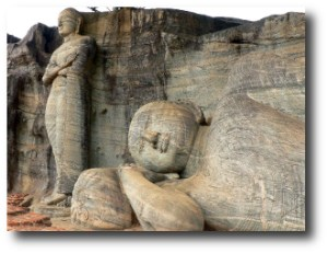 6. Buda de Gal Viharaya