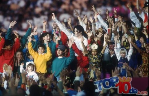 Michael Jackson Performs At Super Bowl XXVII