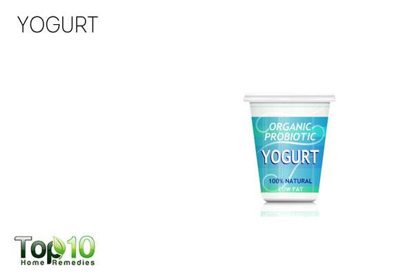 Apply plain yogurt to get rid of infections and dry scalp