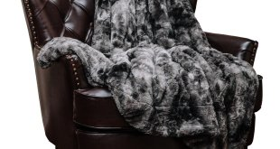 #3. Chanasya Super Soft Fuzzy Fur Throw Blanket