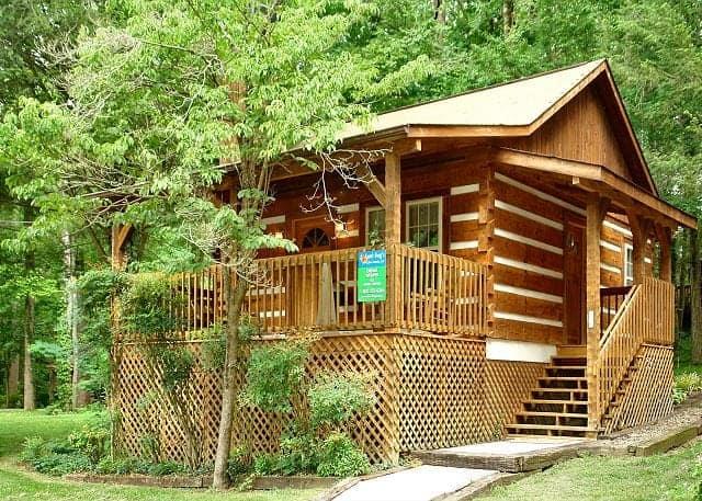 15 Excellent Downtown Gatlinburg Cabins Near the Strip