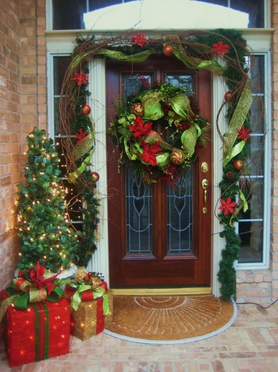 31 Creative Front Door Christmas Decorations