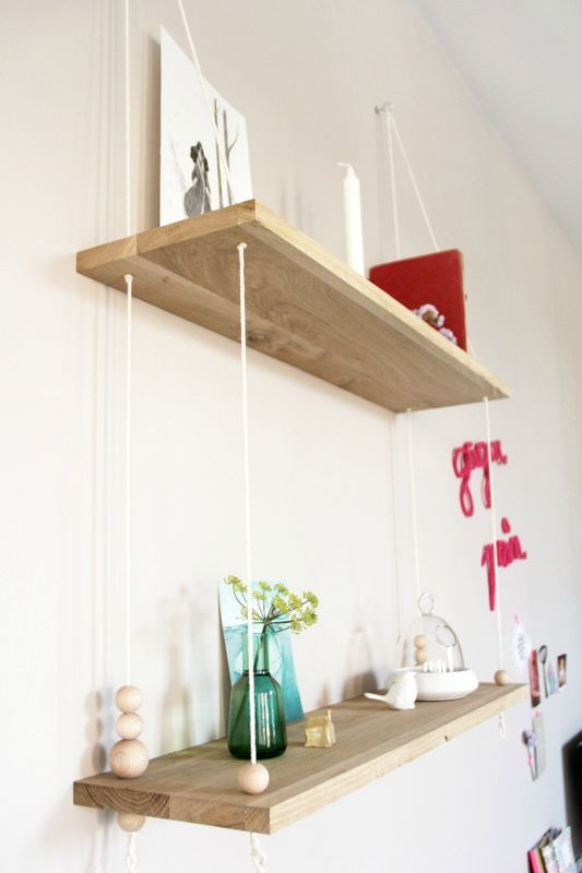 Fissate le funi al soffitto con appositi ganci e riempite le vostre mensole sospese di vasi, libri o oggetti raccolti durante i vostri viaggi. 12 Mensole Creative E Fai Da Te Fai Da Te Creativo