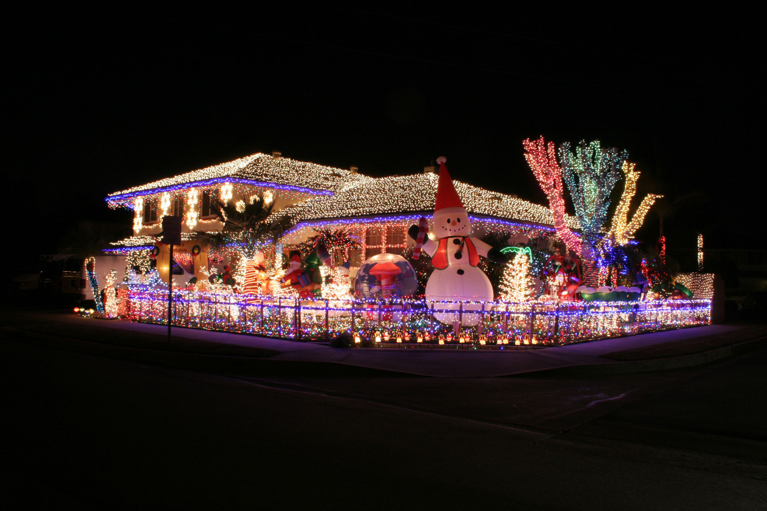 Modern Design Best Christmas Decorated Houses Amazing Modern