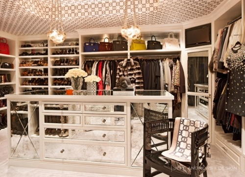 15 Luxury WalkIn Closet Designs