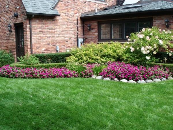 beautiful front yard landscaping