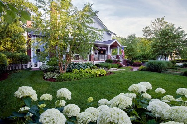 beautiful front yard landscaping