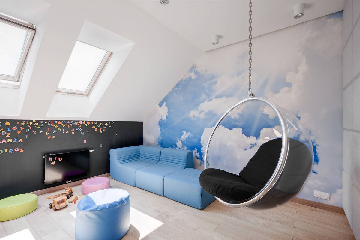 Cool And Eye Catching Wall Murals For Any Dull Wall