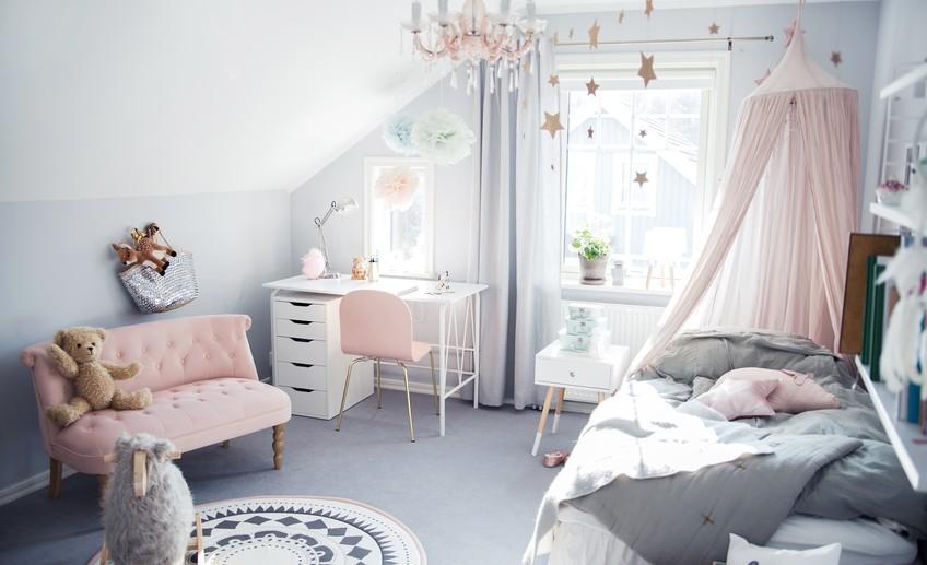 Baby Girl Bedroom Wallpaper Pastel Color Bedroom Will Make Your Little Girl Feel Like
