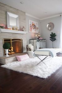 Add Some Warmth In Your Living Room With Fur Rugs