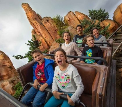 Are there any photoshop tutorials that any one knows that would give a similar effect. Big Thunder Mountain Attraktion Disneyland Paris