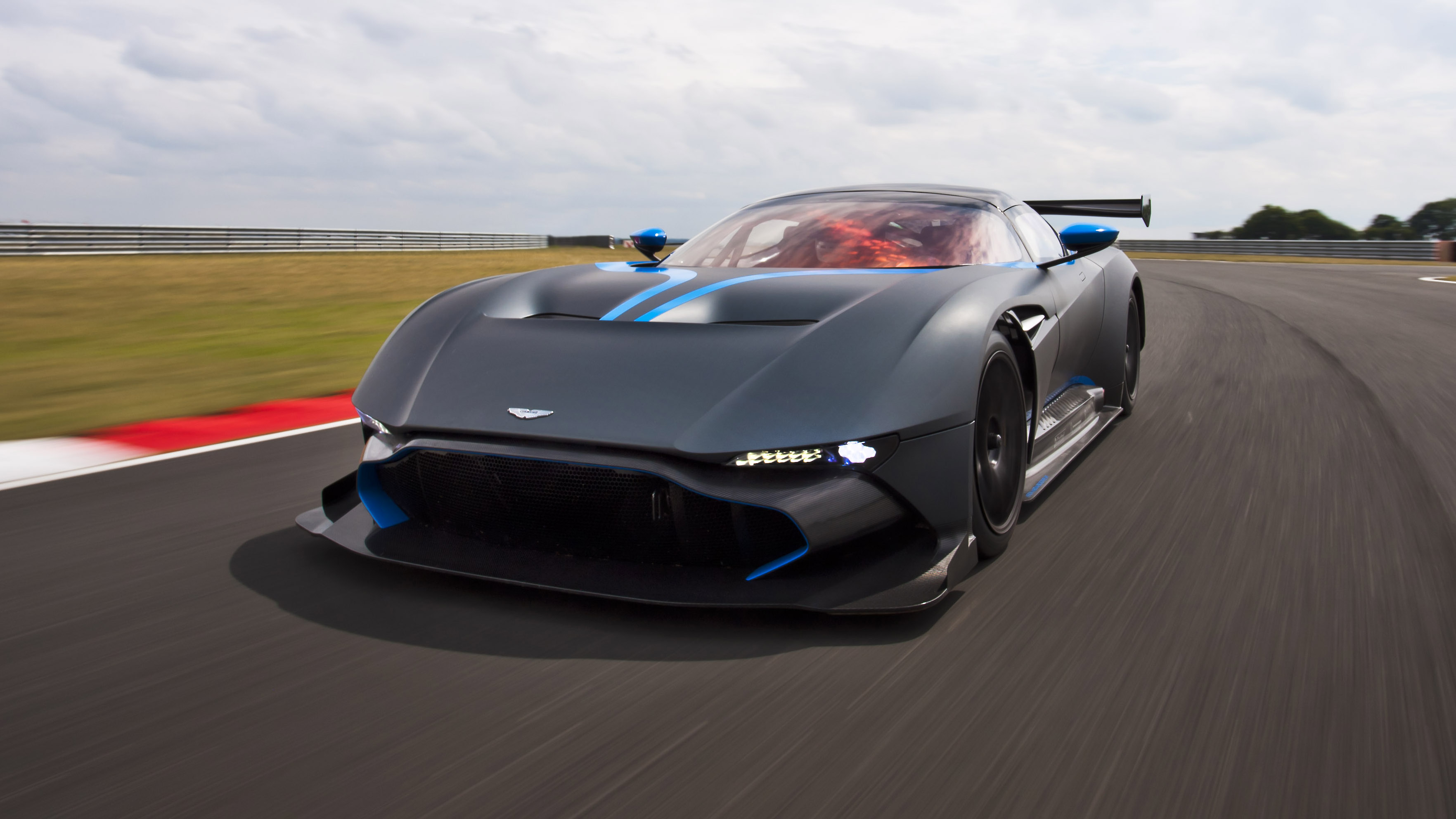 Aston Top Us Trip Martin Gear Road