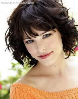 Short Haircuts For Round Faces 22