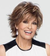 Short Haircuts For Older Women 15