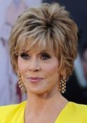 Short Haircuts For Older Women 4