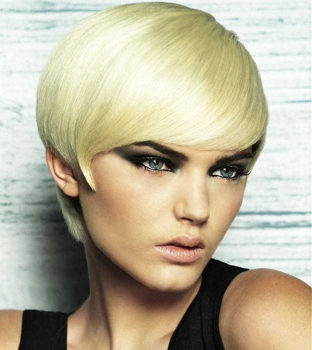 Short Hairstyles For Oval Faces 2018 16