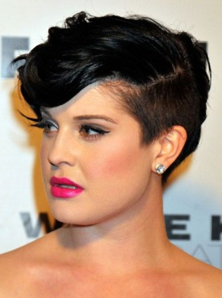 Short Hairstyles For Round Faces 16