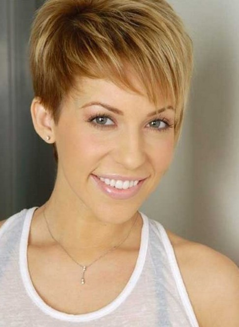 Very Short Haircuts With Bangs For Women 2018 - Haircuts + ...