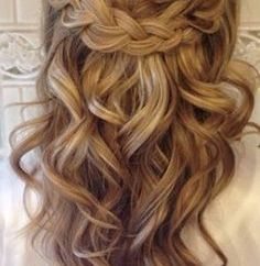 Half Up Half Down Wedding Hairstyles 15