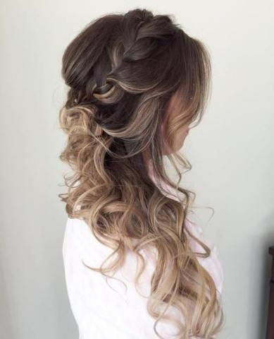 15 Side Hairstyle With A Braid For Long Hair