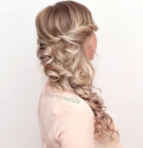 18 Curly Side Hairstyle For Long Hair