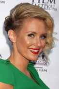 13 Side Parted Very Short Hairstyle For Women