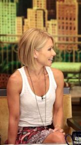 Very Short Female Hairstyles 29