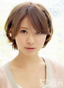 Best Short Hairstyles For Round Faces 11