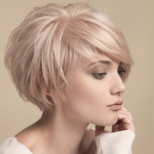 Easy And Pretty Bob Haircuts That Make Your Fine Hair Fuller 9