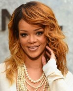 Rihanna Hairstyles Golden Medium Wavy Haircut