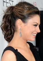 Messy Wavy Ponytail With Texture