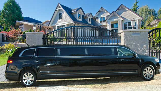 2014 mkt stretch limo