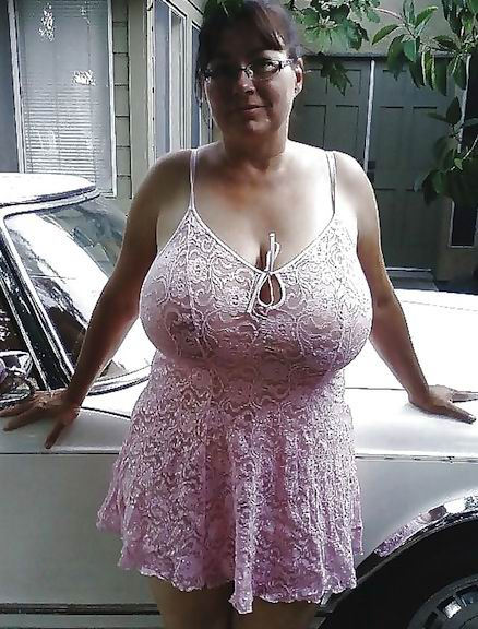 In tops tits Downblouse: 857